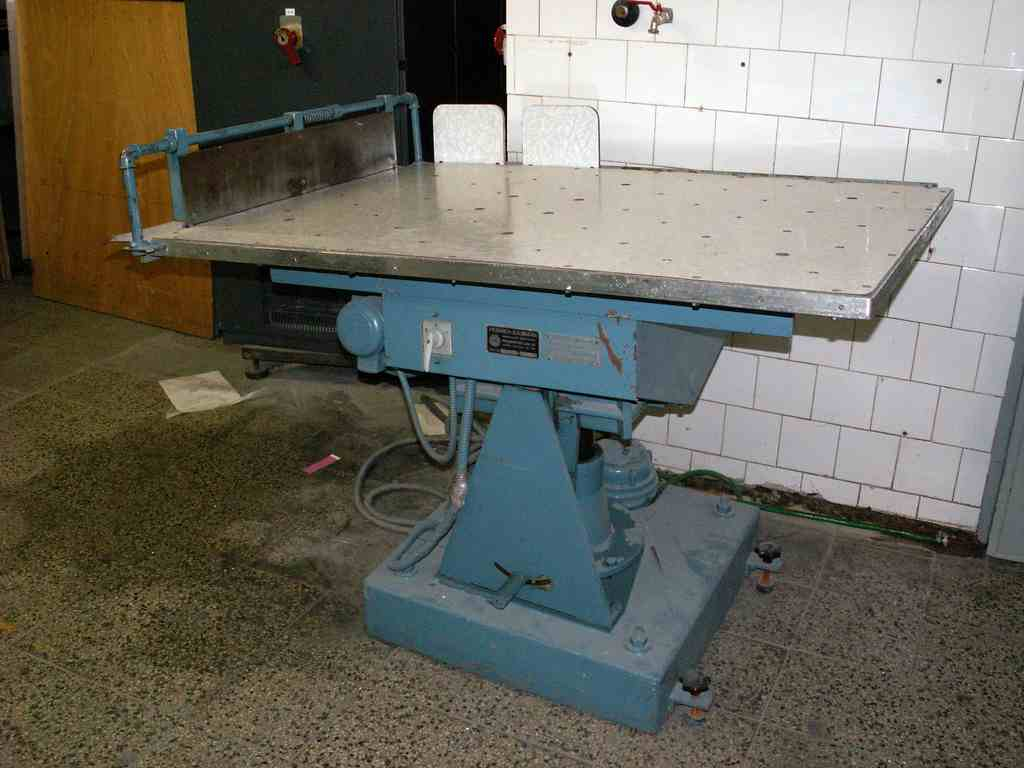 Heinrich baumann machinery europe for Table 90x120